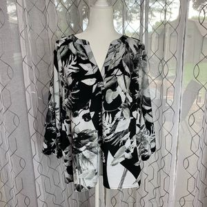 Sioni Black and White Leaf Pattern Top Large